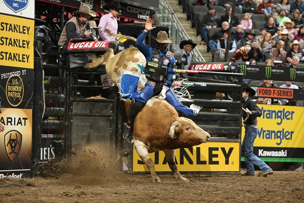 25th Pbr Unleash The Beast Preview St Louis The